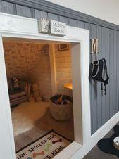 Este hombre construye a su perro una habitación debajo de las escaleras: el resultado final es excelente   – pfiffige Ideen