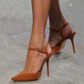 Shoespie Camel Tacones de aguja estilo punta puntiaguda   – Schuhe