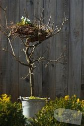 Printemps Pâques bricolage décoration / Printemps Pâques décor. Un nid de bouleaux à rayures …   – DIY – Ostern