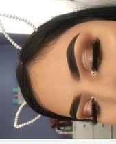 Brown and fold – makeup