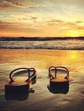Idee für Dein Reisefoto: Flip Flops im Sonnenuntergang – Idee für Dein Reisefo…