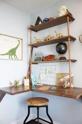 Ein schwimmender Schreibtisch mit Pfeifenregalen in der Ecke ist der perfekte Ort für … – # … – #Corn …