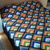 Closet For Crocheted Napkin مفرش كروشية من مربعات ملونة Colored Crochet Square Crochet Blanket Crochet Square Crochet