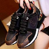 L Leather Sneakers Black Gold – Damn that shoe tho'