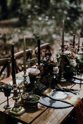 Tabelle Tablescape Decor schwarz Gold Kerzen Blumen moderne gotische Hölzer Hochzeit Id …   – Because it's Halloween