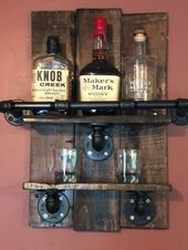 Bourbon Whisky Rack, wiedergewonnenes Palettenholz und industrielle Pfeife, Bar, Shabby Chic, Bauernhaus Dekor