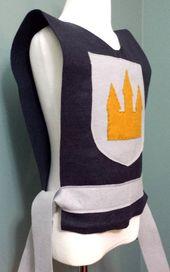 Knight Costume Tunique (Roi, Prince, Médiéval, Solider) – Bébé / Tout-petit / Enfants / Adolescents / Taille des adultes