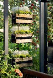 The Recycled Garden Volume 12: Utiliser des matériaux recyclés et récupérés dans votre jardin   – Screens