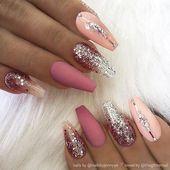 ✨ Matte Rose-Pink, Pastellrosa mit Kristallen und Glitzer-Ombre auf Sargnägeln …   – mauve nails