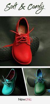 Zapatos planos con cordones y gorra redonda grande y suave para mujer   – Schuhes