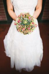 Brautstrauß aus Rosen Hortensien Nelken von meiner Schwiegermutter gebunden (Hochzeit)   – Brautstrauß