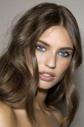 Schmeichelhafte aschbraune Frisuren für das Jahr New #brown #styles #schmeich …   – 1