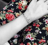 10 Delicate & Meaningful Tattoo Ideas You'll Fall in Love With – Tattoo ideas