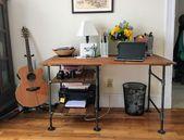 Anleitung: DIY-Schreibtisch mit Industrierohr und Altholz