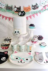 Werfen Sie die Purr-fect Cat Themed Birthday Party