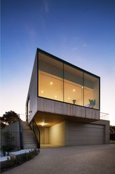 The Parkside Beach House by Cera Stribley Architects is a luxurious contemporary…   – Architektur
