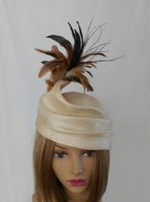 "Kentucky Derby hat, ""Julia"", womens parasisal straw beret in cream with feathers"