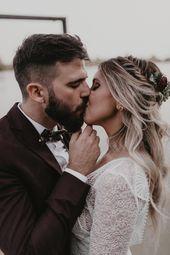Boho Chic Sevilla Hochzeit mit einem Flirty Lace Brautkleid