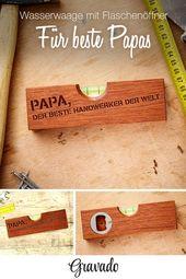 Wasserwaage mit Flaschenöffner – aus Holz – Personalisiert