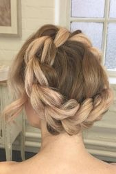 28 Fabulous Halo Braid Ideas To Opt For | LoveHairStyles.com