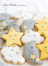 Twinkle little star iced biscuits  www.lexiscrumbs.com #Babyshowerthemes – #Baby…