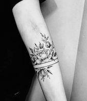 50 Arm Floral Tattoo Designs For Women 2019 – Page 13 of 50 –