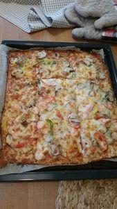 Beste und einfachste kohlenhydratarme Pizza mit einem Boden aus Frischkäse, Käse und Ei; Ketose