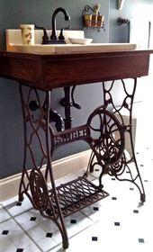 Die gebaute Kiste, die ins Waschbecken gefallen war, fügte den Wasserhahn hinzu. Die eiserne Sängerin nähen   – Alte Stühle