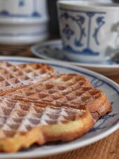 Recipe for extra fluffy buttermilk waffles with spelled flour   – Backen