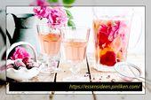 Rose, Zitrone u. Erdbeere hineingegossenes Wasser