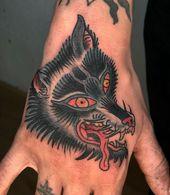 Verrückter Wolf für einen Wanderer 🙏🙏 #traditionaltattoo #tattoo #tattoos #tradit …