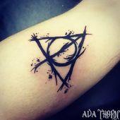 Schöne schwarze Heiligtümer des Todes Tattoo