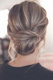 messy updo low bun wedding hairstyle from Tonyastylist #weddings #weddingupdos #weddinghairstyles #hairstyles