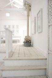 Mein skandinavisches Zuhause: Eine schöne umgebaute Scheune in Weiß   – P Ridge Garage/Automotive