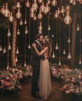 20 Edgy Edison Bulb Wedding Ideas