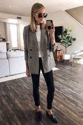 "35 Classy Office Wear for Fall: fashion blogger ""Fashion Jackson"" wears"