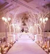Des arbres comme décoration de mariage.