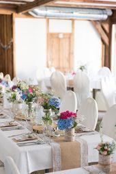 Diy Vintage Hochzeit Am Vedahof In Oberosterreich Tischdeko Mit Alten Marmeladenglasern Und Dosen Und Jute Und Spi Vintage Hochzeit Tischdeko Hochzeit Hochzeit