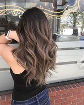 In dieser Haargalerie finden Sie die perfekten Balayage-Töne zum Aufhellen und