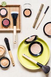 Ob Puder, Cremiges Make-up oder flüssiges Make-up: Mit den Pinseln von Yve …   – Pinsel & Make-up-Lieblinge