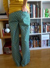 Couture n°17 : le pyjama Tamagotshi breton (Festive street)