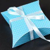 Pillow-Box basteln mit Vorlage & Plotterfreebie  – Geschenkverpackungen & Geschenkanhänger plotten & basteln