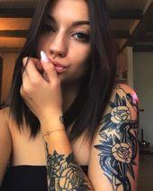 Altes Bild aber idc #brunette #brunettegirl #tattoo #tattoos #tattooed