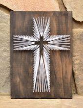 Kreuz String Art – Christian Wandkunst – rustikale Wohnkultur – religiöse Kunst – Weihnachtsgeschenk – Taufe Geschenk – Bauernhaus Dekor