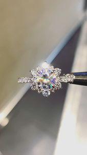 Moissanite und Diamant 14K Weißgold Schneeflocke Ring