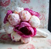 Hochzeitsstrauß aus Pfingstrosen und Ranunkeln – Elfenbein, Rouge und Fuchsia …   – Wedding Bouquets – Kate Said Yes Weddings