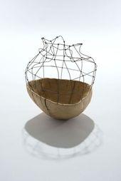 Aware by Sylvia Eustache Rools & Jérôme Pereira. Sculpture bois et fer. Conten…