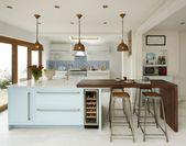 Stellen Sie Ihre eigenen 25 fantastischen Stäbe für Ihre kleine Küche her