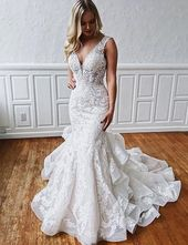 Gorgeous White Mermaid Wedding Dresses V Neck with Appliques