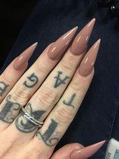 Stiletto-Nägel Stiletto-Nägel sind im Moment der letzte Schrei mit kühnen neuen Designs …   – nails